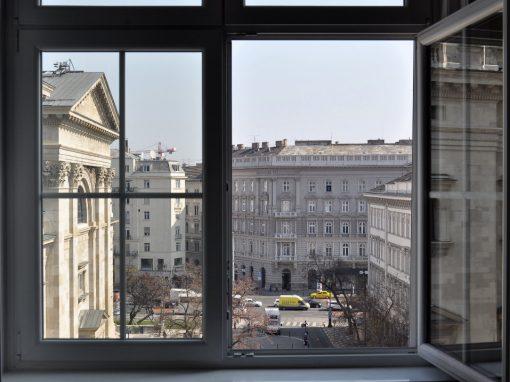 Eladó tégla építésű lakás V. kerület, Szent István tér